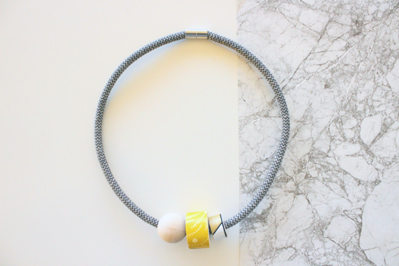 zigzagyellow_necklace1